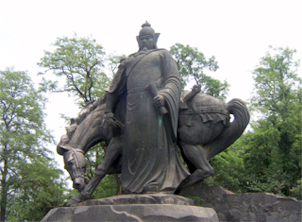 Yue Fei in Bronze statue with horse.